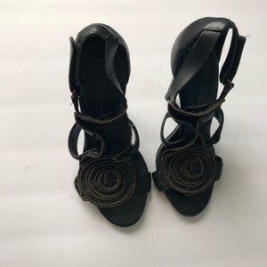 ⚡️BCBGMAXAZRIA Zipper Flower heels